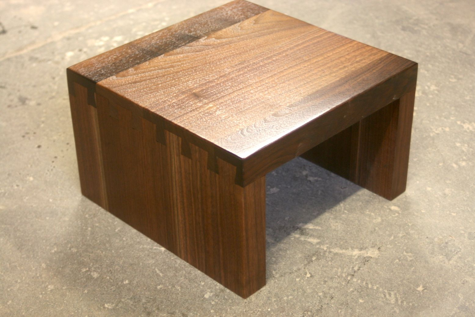 Dovetailed Walnut Speaker Stand