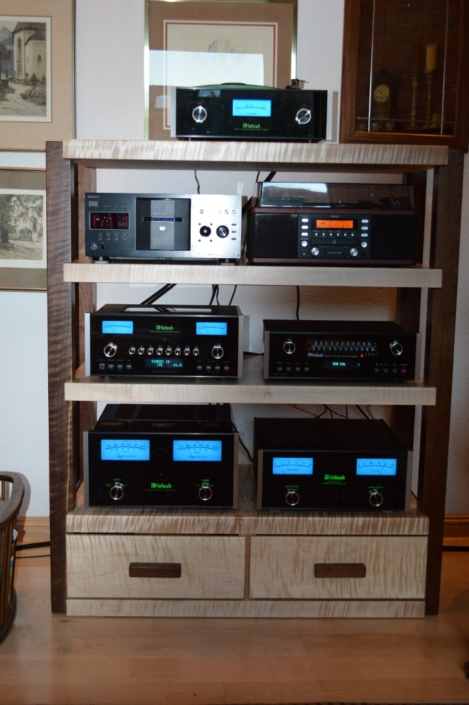 TIGER Stereo Rack